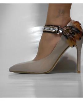 Lucy Clip Ocasiones Especiales con pluma marrón