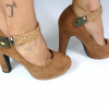 Lucy Clip Tachas Camel